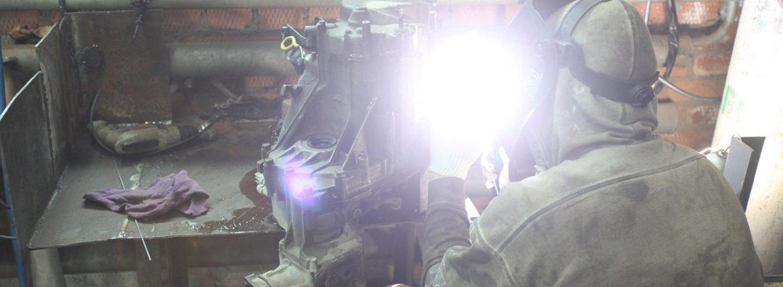 Пайка коробки от Хонды CR-V, от удара в дтп несколько трещин образовалось.