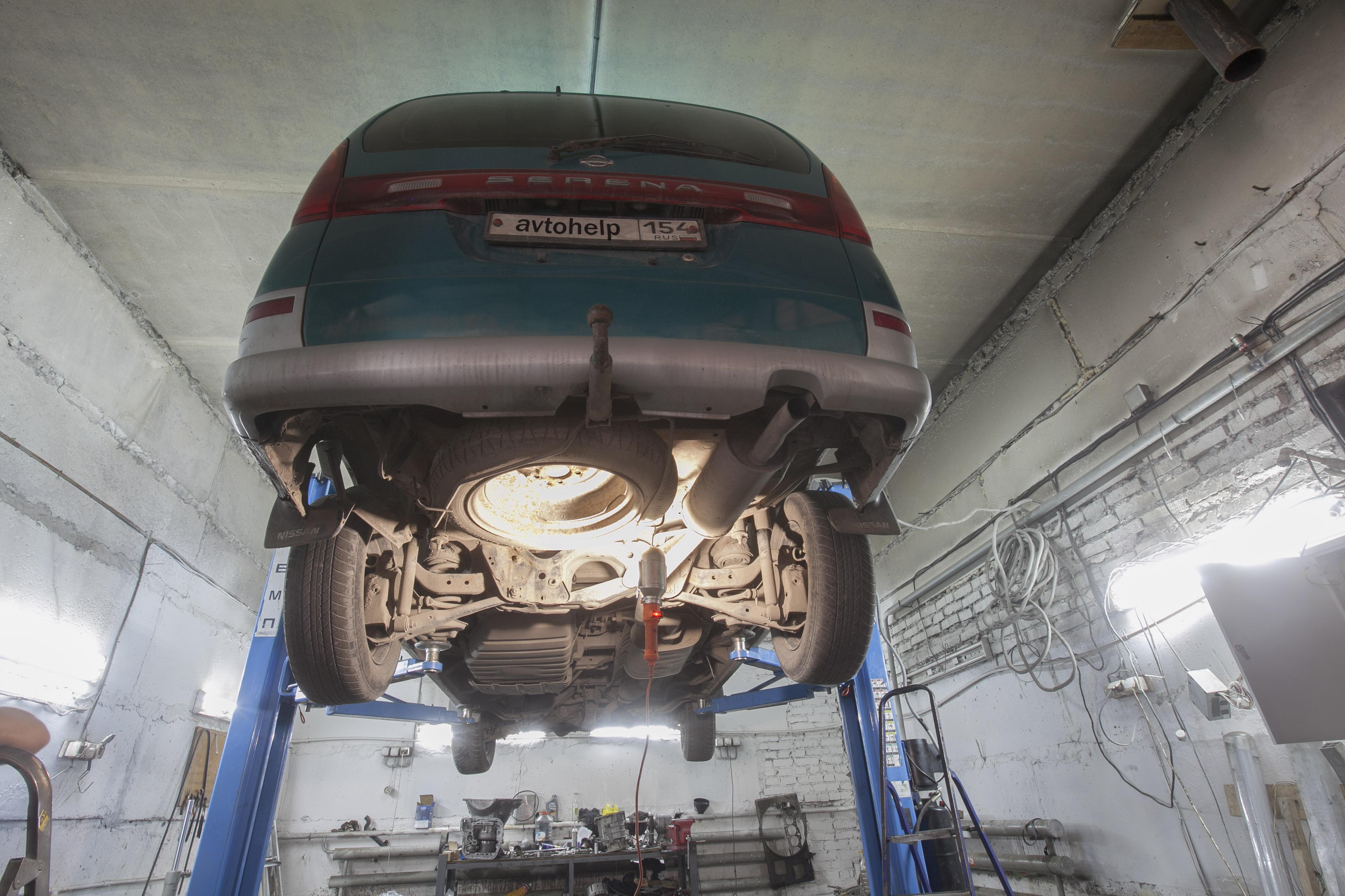 Nissan Serena, сварка топливной трубки
