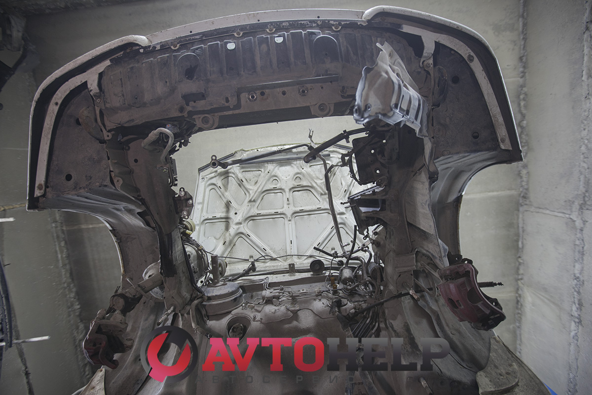 Замена двигателя Nissan Avenir